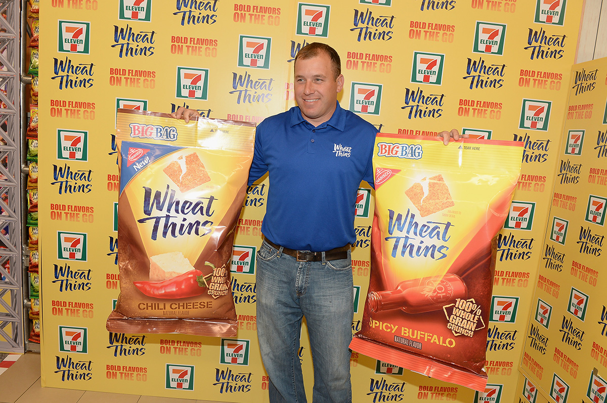 Wheat-Thins-7-Eleven-Store-Takeover-Media-Event